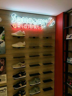 saucony_neon